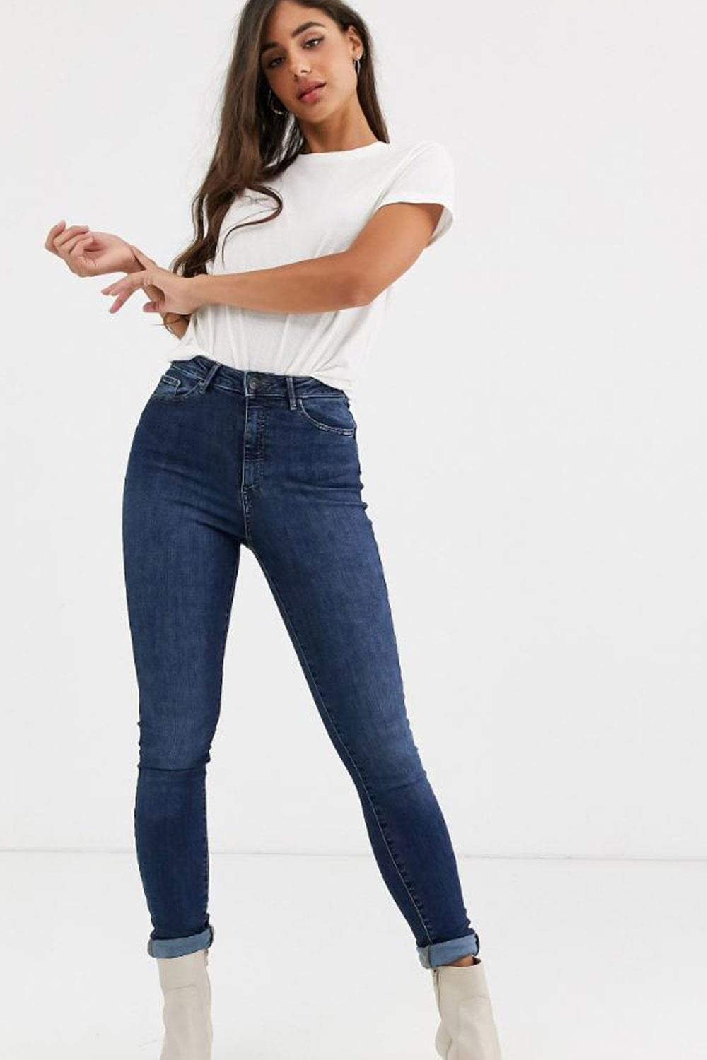 jeans low cost pantalones vaqueros Shape Up de Vero Moda Tall, 37,99€