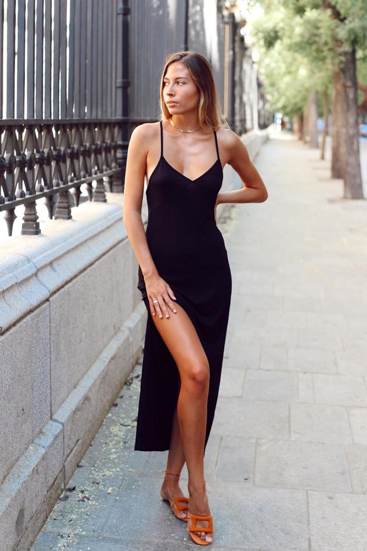 Cómo Combinar Un Vestido Negro Este Otoño