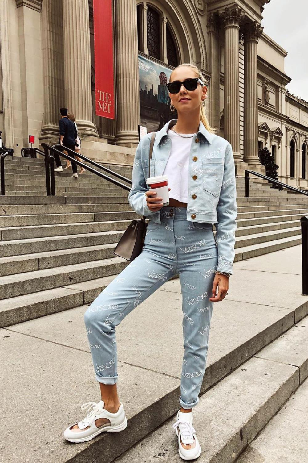 looks con vaqueros double denim