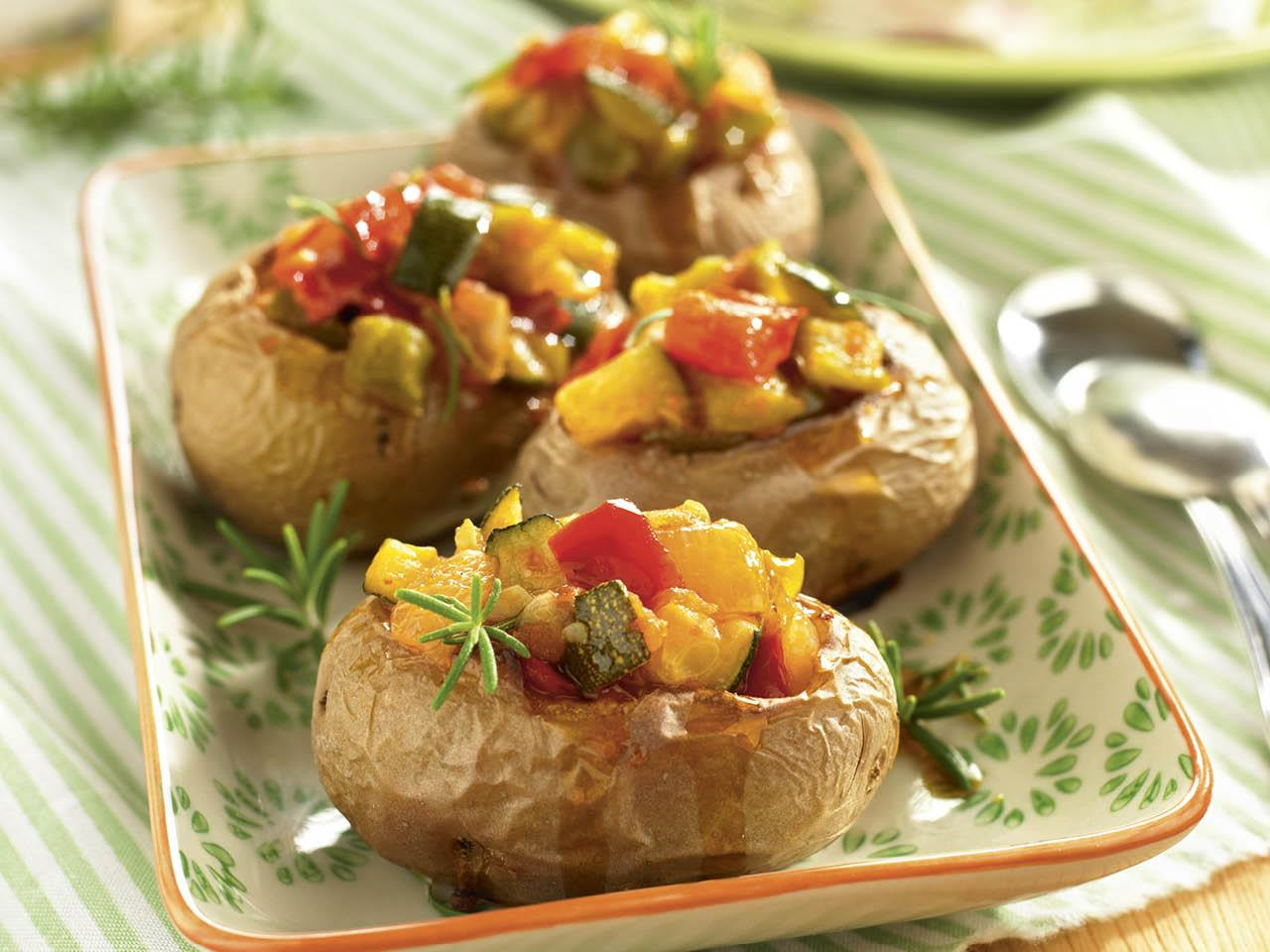 que comer hoy patatas rellenas pisto