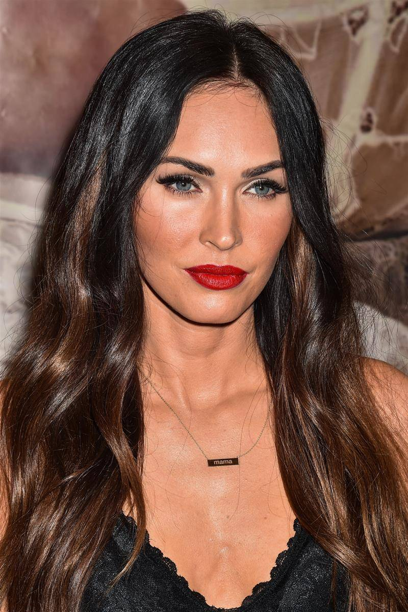 chocolate-cake-megan-fox