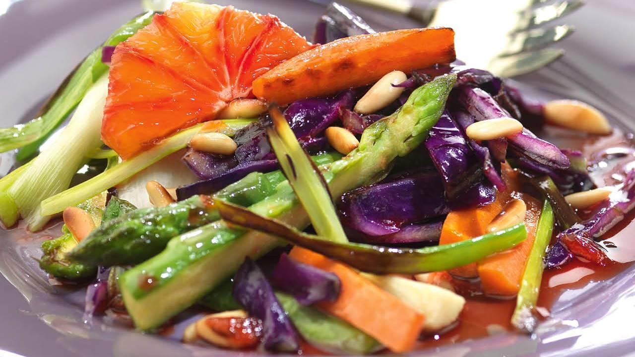 10 ensaladas templadas ideales para cenar