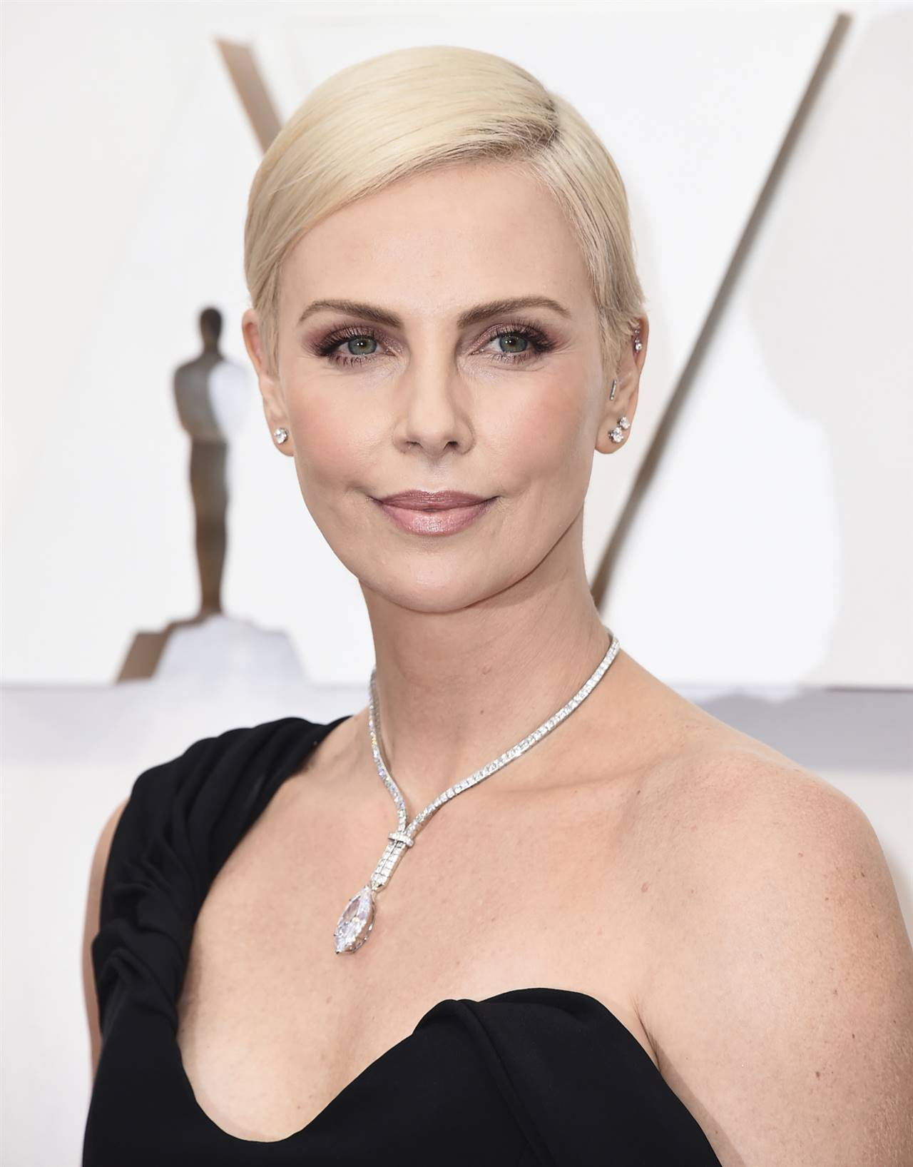 Charlize Theron pixie