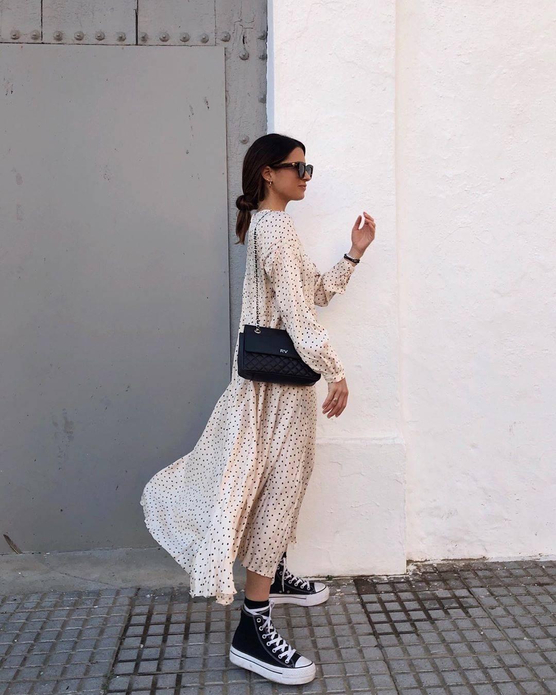 neumonía calendario Minimizar  El vestido más famoso y viral de Zara queda ideal con zapatillas