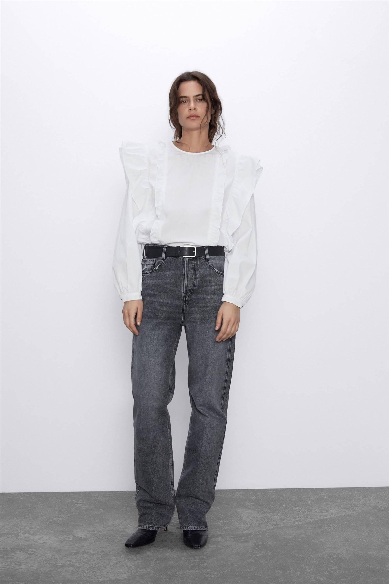 Las blusas blancas de Zara imprescindibles para el verano de