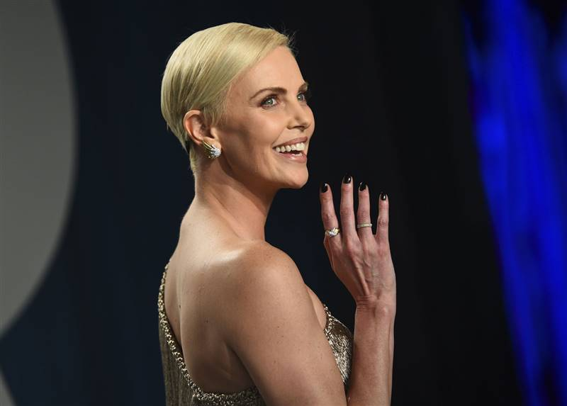 manicura celebrities charlize theron