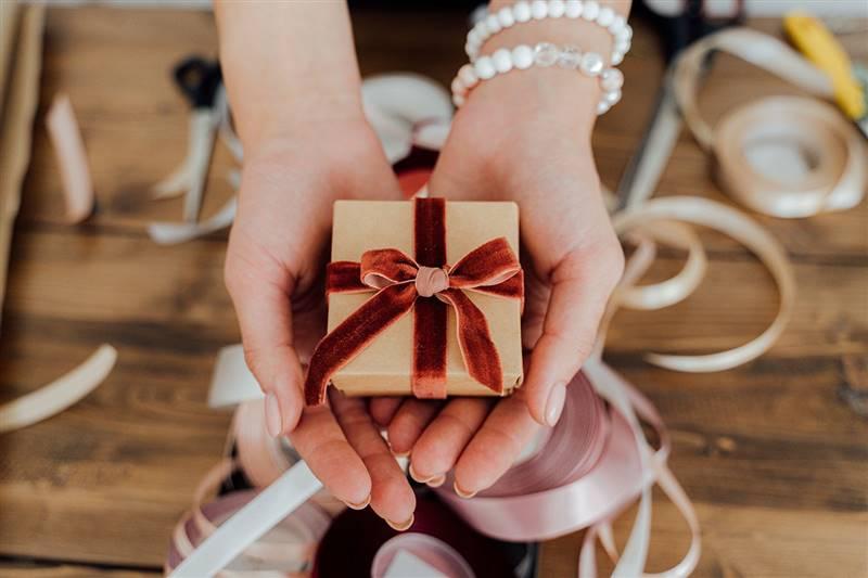 Regalos personalizados: ideas para regalar esta Navidad (y encargar ahora)