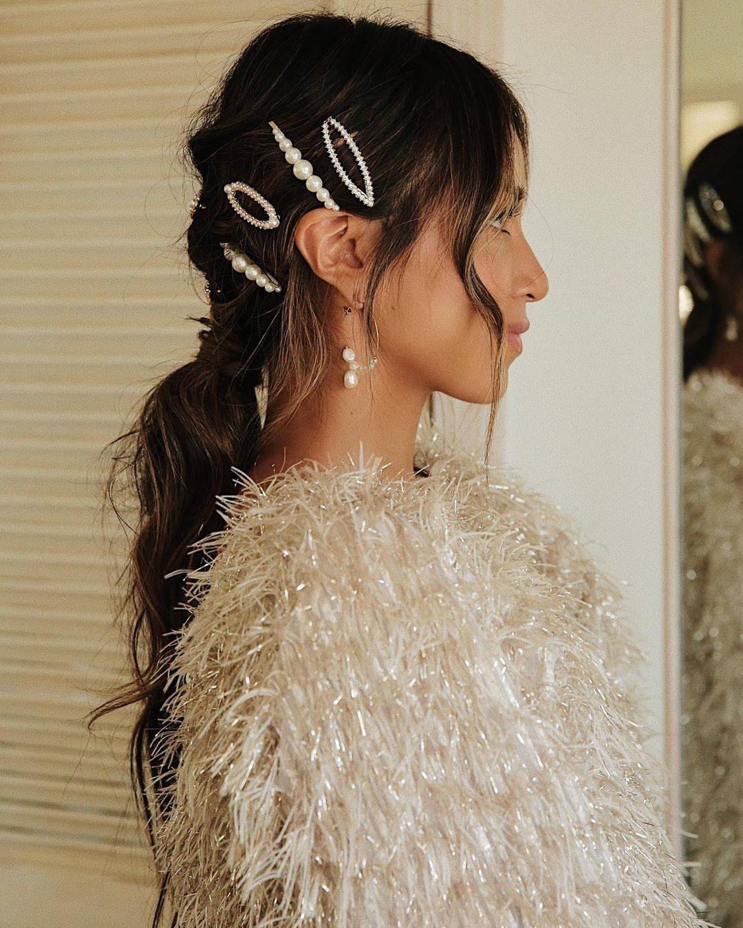 Low ponytail with barrettes