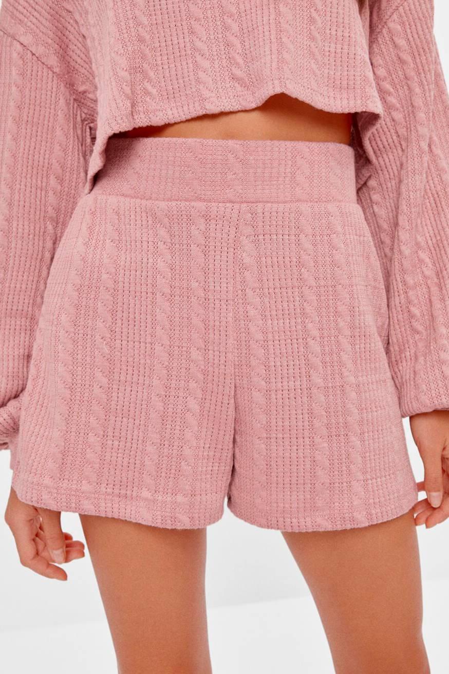 Bershka knit-shorts-shorts, € 15.99