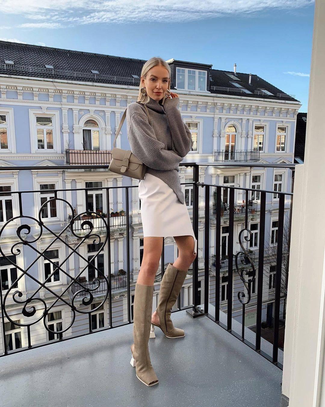 high-neck-skirt